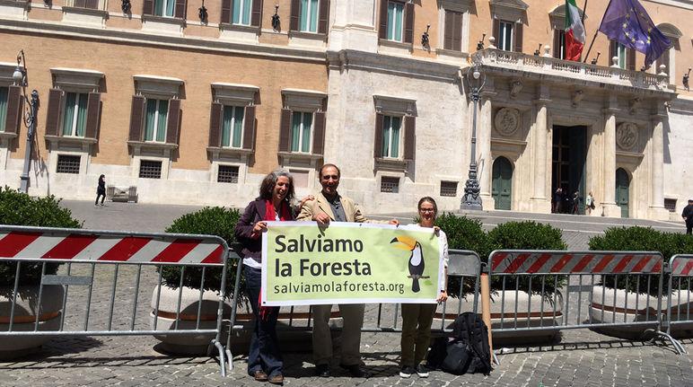 A montecitorio abbiamo detto olio di palma for Sede parlamento italiano